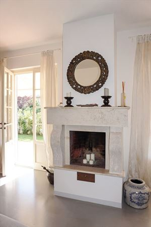 Villa Camilla   : Fireplace