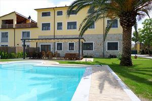 Villa Canario villa bifamiliare in affitto Vittoria Apuana Forte dei Marmi
