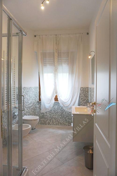 Villa Canario : Bathroom with shower