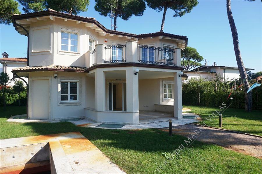 Villa carducci villa singola in vendita a forte dei marmi - Bagno carducci forte dei marmi ...