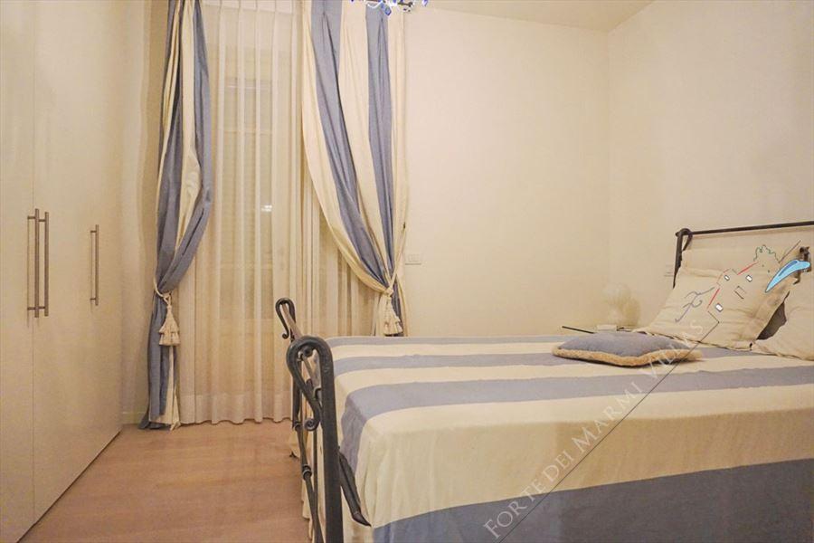 Villa Carolina : спальня с двуспальной кроватью