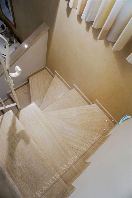 Villa Carolina : мраморная лестница