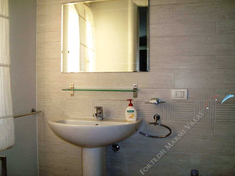 Villa Cavallini : Bathroom with shower