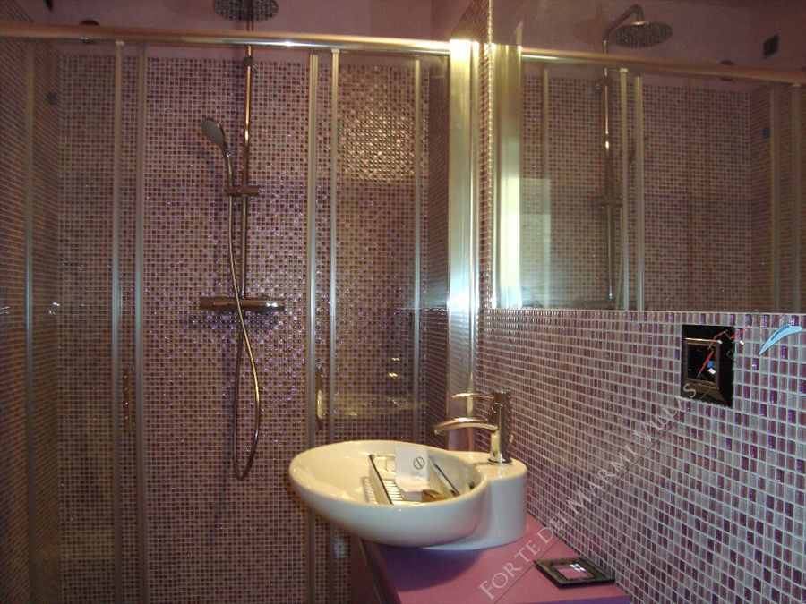 Villa Cipresso   : Bathroom with shower