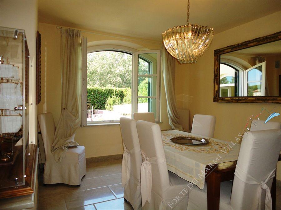 Villa Cleopatra : Dining room
