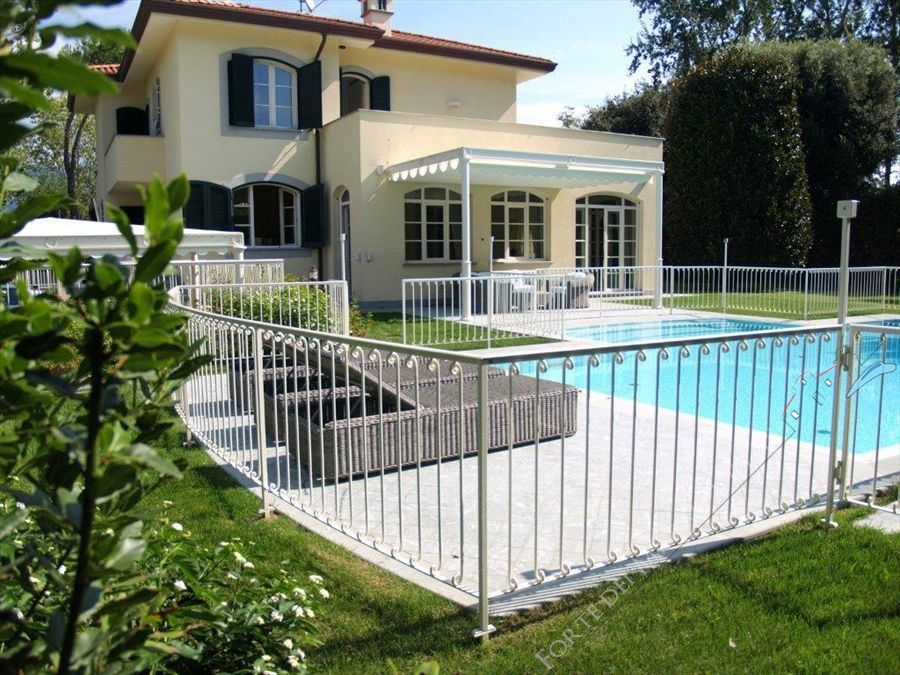 Villa Cleopatra - Detached villa To Rent Forte dei Marmi