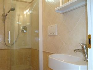 Villa Clivia : Bathroom with shower