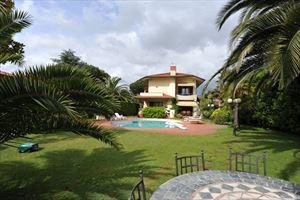 Villa Cora : Vista esterna
