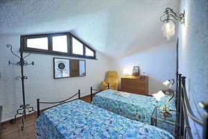 Villa Cora : спальня с двумя кроватями