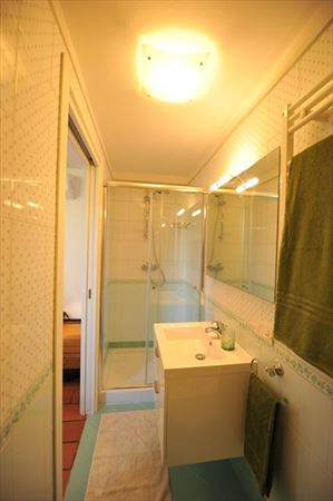 Villa Cora : Bathroom with shower