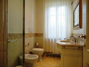 Villa Costanza : Bagno con doccia