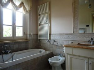 Villa Costanza : Bathroom with tube
