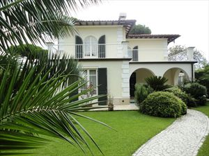 Villa Costanza : Outside view