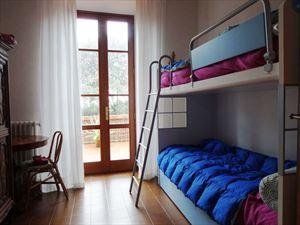 Villa Dalia : спальня с двумя кроватями