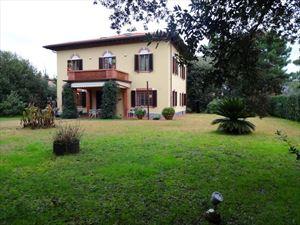 Villa Dalia: Detached villa Forte dei Marmi