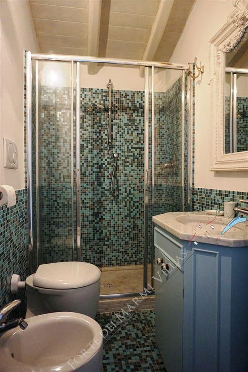Villa Desiree : Bathroom with shower