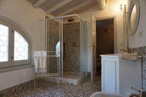 Villa Desiree : Ванная комната с душем