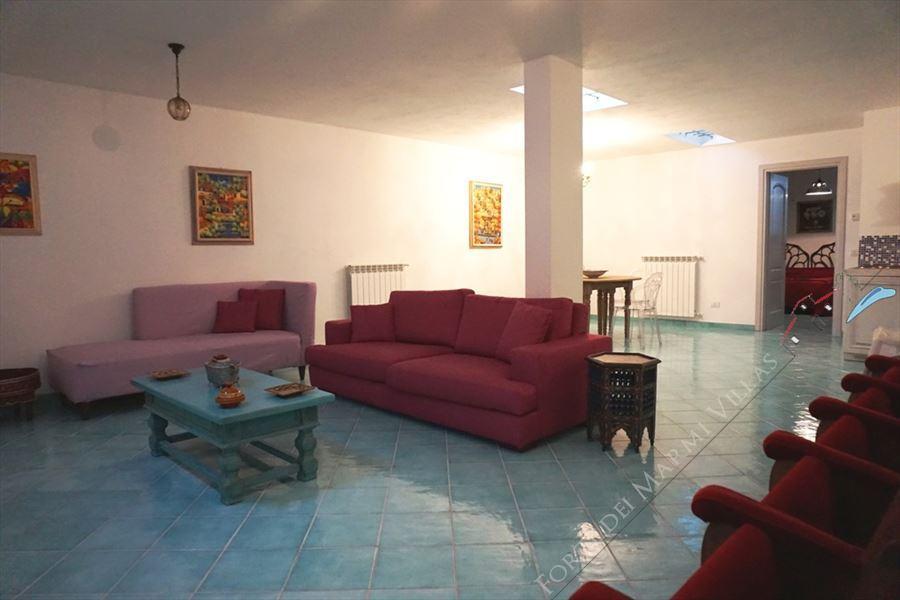 Villa Desiree : Basement or cellar