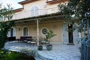 Villa Desiree : detached villa to rent  Marina di Pietrasanta