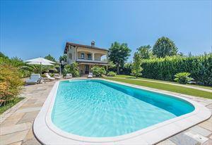 Villa Splendida villa singola in affitto e vendita Centro Forte dei Marmi