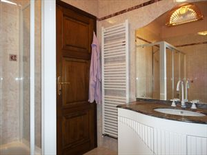 Villa Diana  : Bathroom with shower