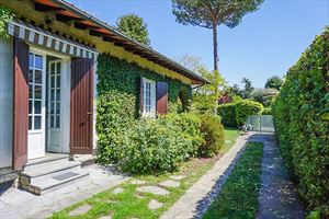 Villa Dipinto : Outside view