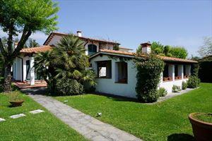 Villa Emma : villa singola in affitto e vendita Fiumetto Marina di Pietrasanta