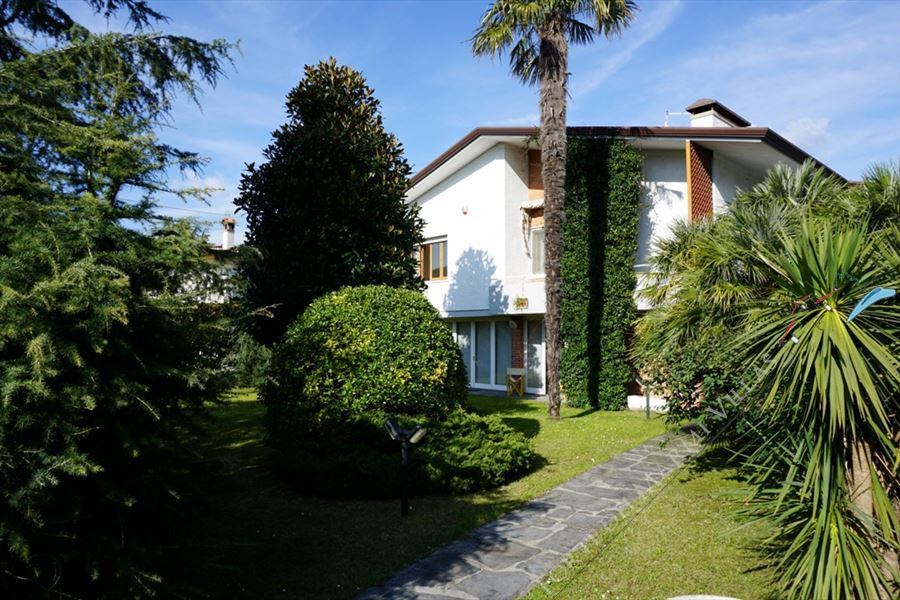 Villa Fior di Loto - Detached villa To Rent Forte dei Marmi