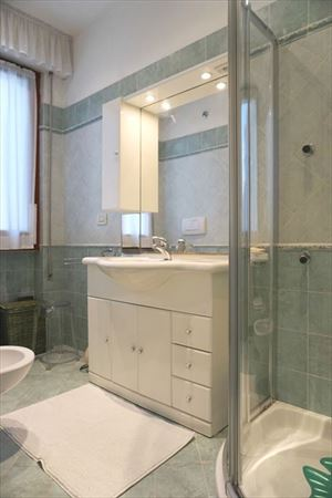 Villa Fior di Loto : Bathroom with shower