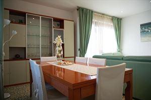 Villa Fior di Loto : Dining room