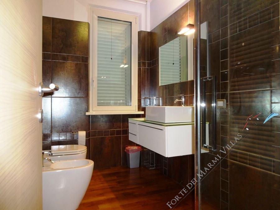 Villa Fiorentina  : Bagno con doccia