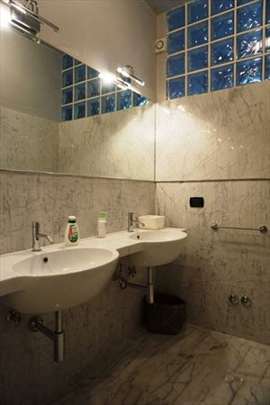 Villa Firenze : Bathroom