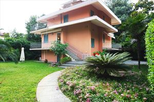 Villa Fiumetto - Отдельная вилла Марина ди Пьетрасанта