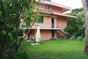 Villa Fiumetto : Outside view