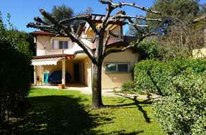 Villa Flores - Detached villa Marina di Pietrasanta
