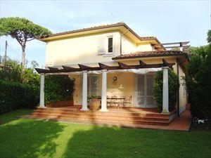 Villa Genova : Outside view