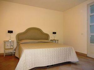 Villa Gilda  : спальня с двуспальной кроватью