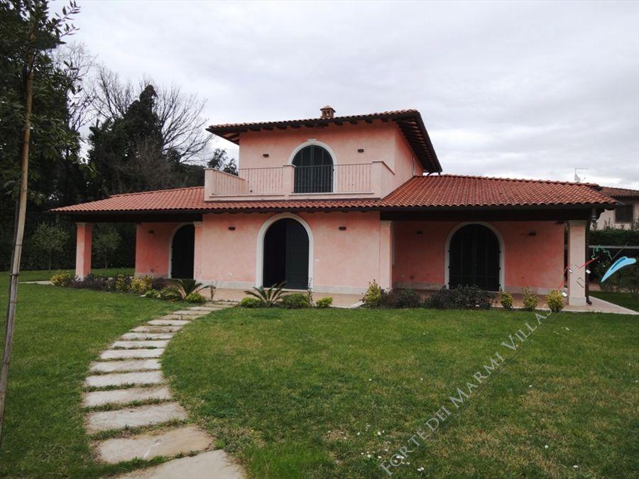 Villa gilda lusso villa singola in vendita a forte dei - Bagno gilda forte dei marmi ...