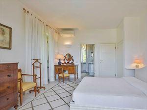 Villa   Ida   : спальня с двуспальной кроватью