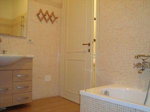 Villa Ines : Bathroom with tube