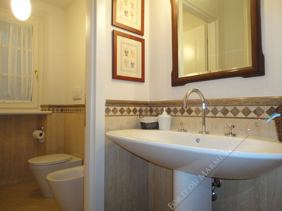 Villa Iris  : Bathroom