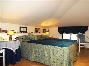 Villa Jessica : спальня с двумя кроватями