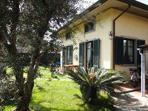 Villa Jessica: Semi detached villa Forte dei Marmi
