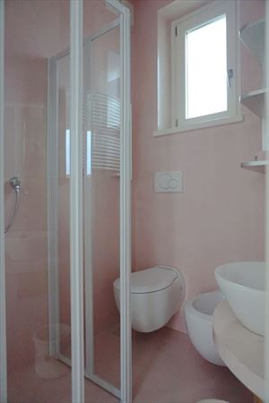 Villetta La Vela : Bathroom with shower