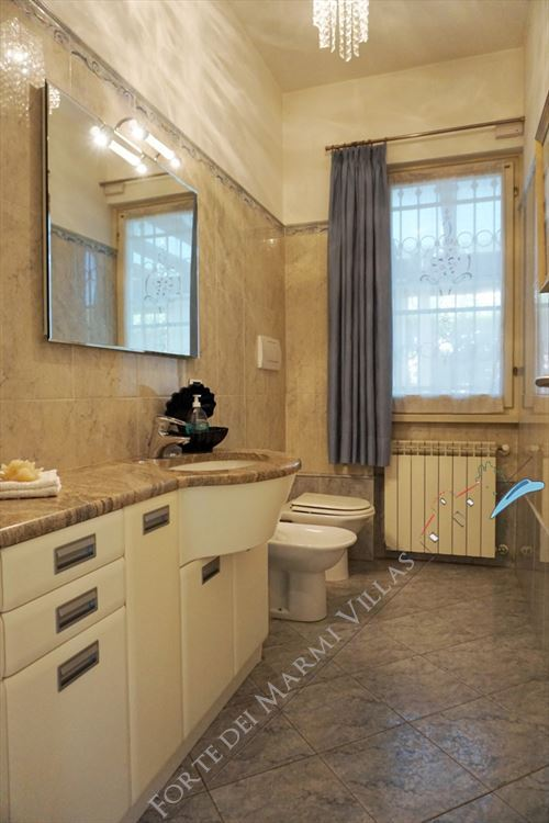 Villa Laura : Bathroom