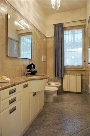 Villa Laura : Bathroom