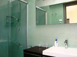 Villa Lia : Bathroom with shower