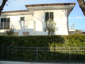 Villa Lia: Semi detached villa Forte dei Marmi