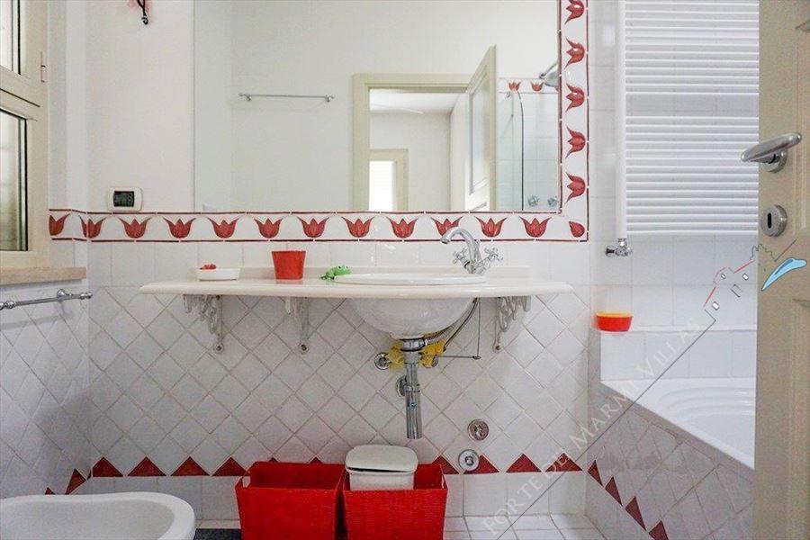 Villa Liana : Bagno con vasca