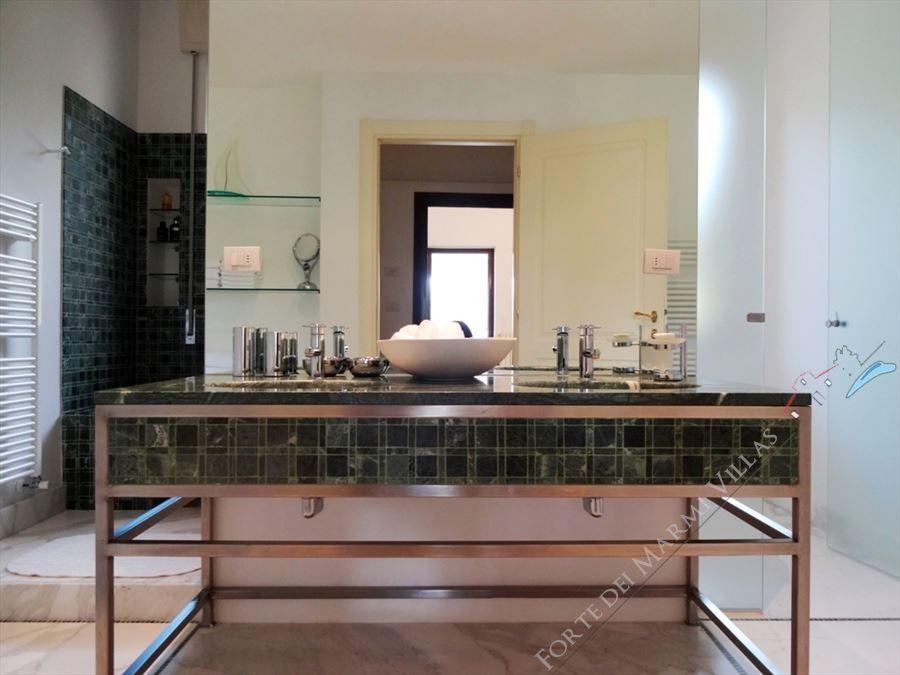Villa Livia : Bagno con doccia